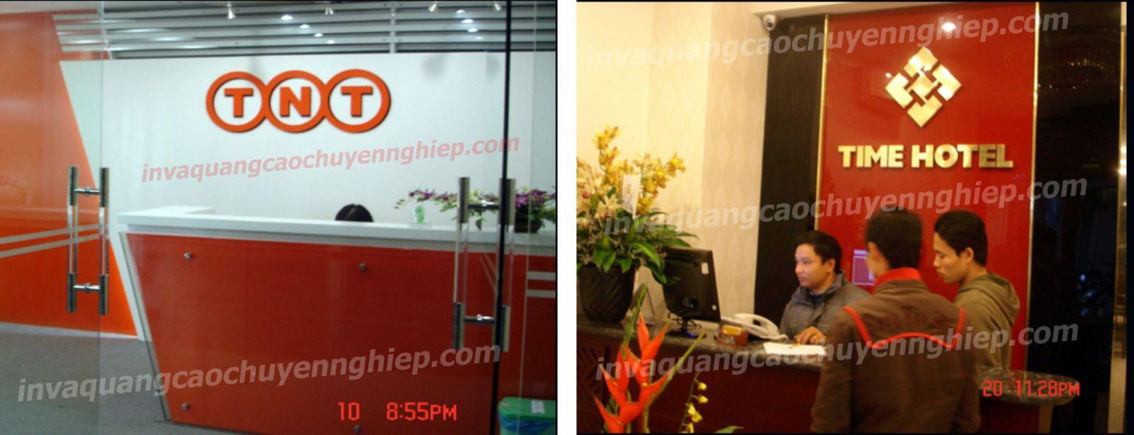 Làm biển lễ tân, logo backdrop văn phòng bằng mica và đồng