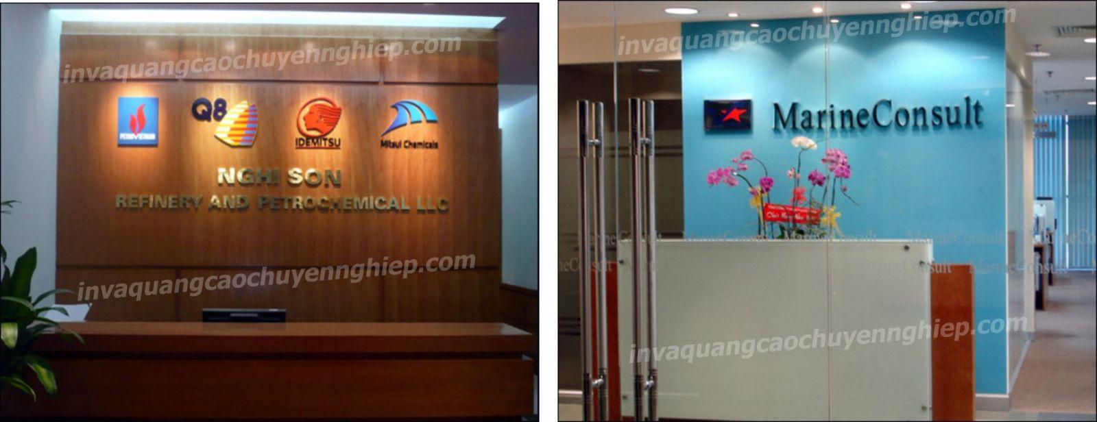 Làm biển lễ tân, logo backdrop văn phòng bằng đồng và mica