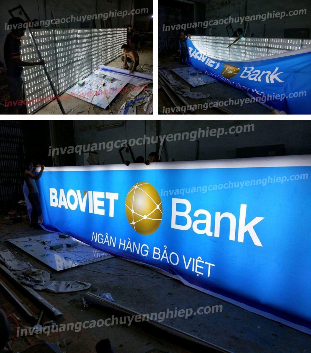 Cấu tạo của biển quảng cáo hộp đèn led gồm: Thanh vuông sắt mạ kẽm 25×25. Bề mặt căng tấm Hiflex 3M nhập khẩu của Mỹ in công nghệ UV trên máy ...